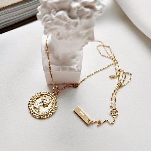 Arina - Vintage Coin Necklace