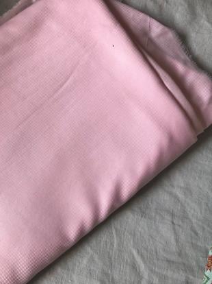 tissu rose doux