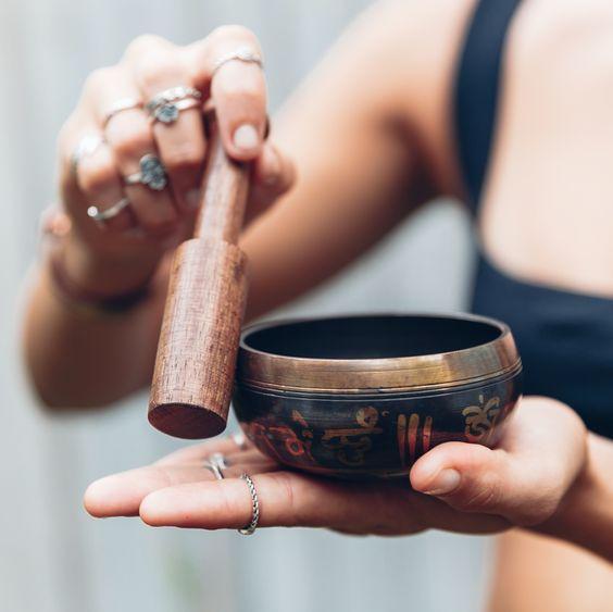 Massage aux bols chantants Tibétains GOA