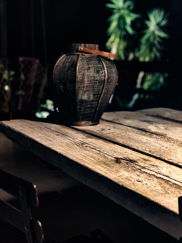 Dinning table detail