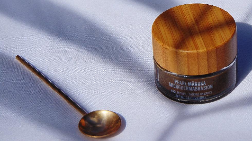 Pearl Mānuka Microdermabrasion + Brass Spoon