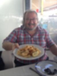 «Comiendo en el pueblo donde nací», fotografía de la sección FOTOS de la página web de Juan López-Carrillo