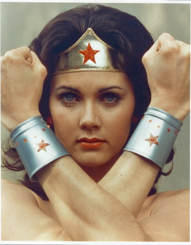 wonder-woman-1975-promo-wonder-woman-23490257-1555-1995