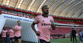 Edenílson pode voltar à Libertadores após cumprir suspensão de três jogos