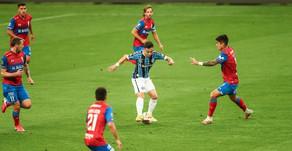 Grêmio bate a Católica e se classifica às oitavas na Libertadores