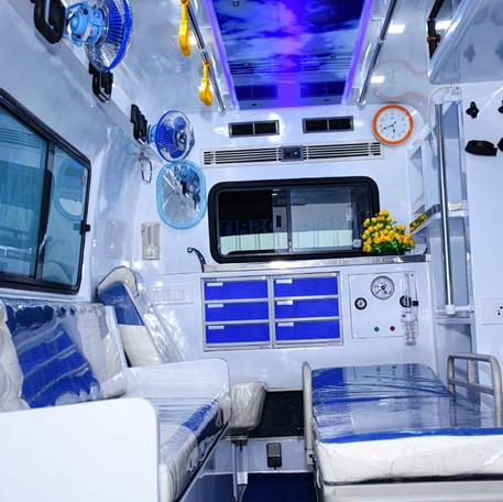 icu-ambulance-with-live-cam.jpg
