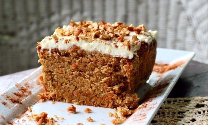 LCHF low carb carrot cake