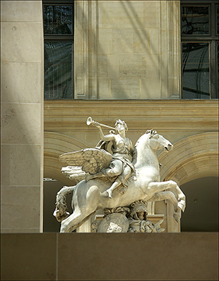 Louvre Herald
