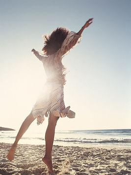 femme libre et heureuse