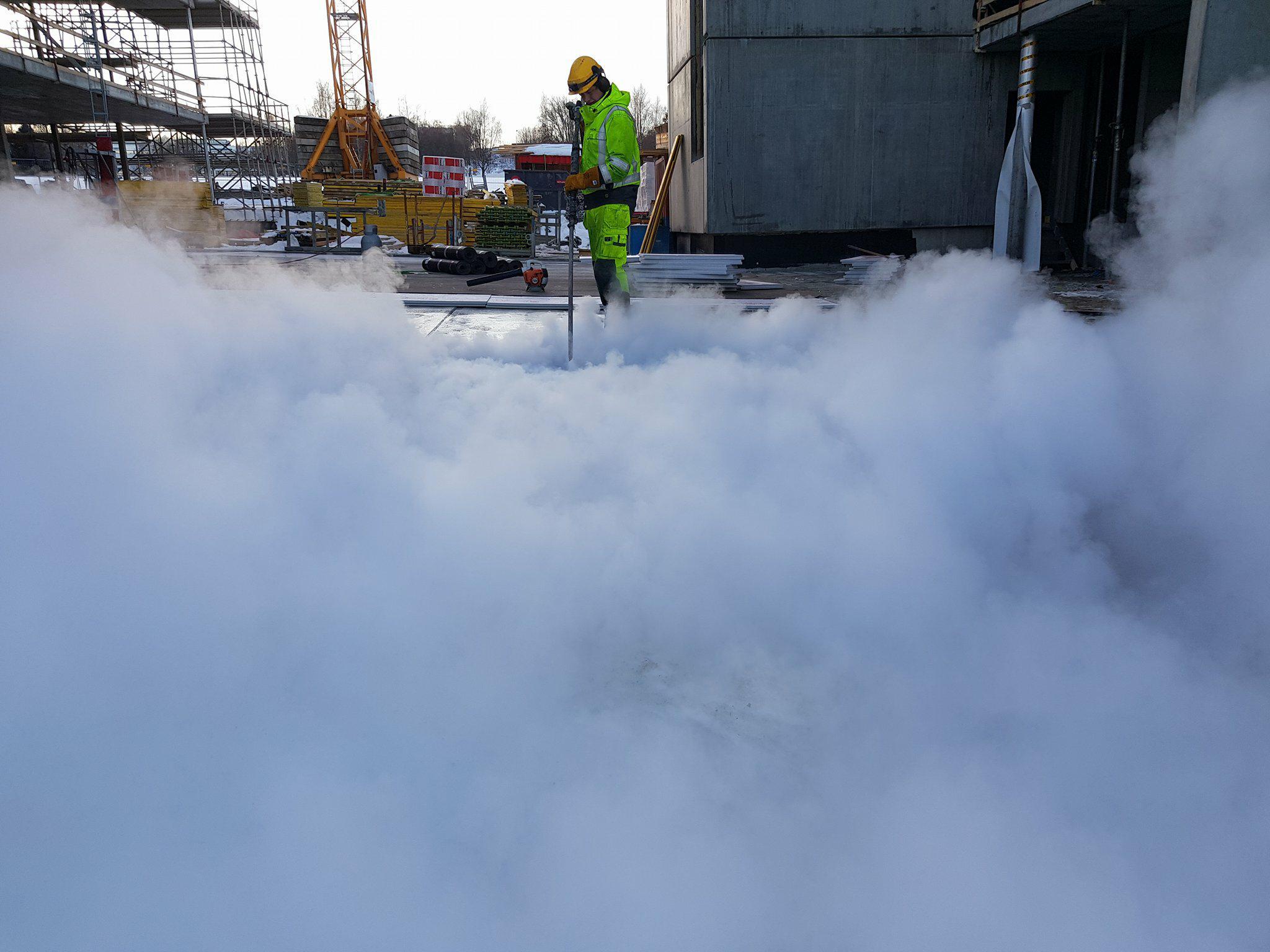 Steaming av is