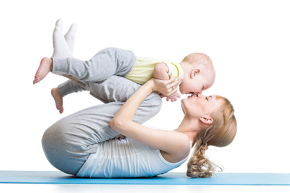Babybauch Anne Schmid, Yogalia