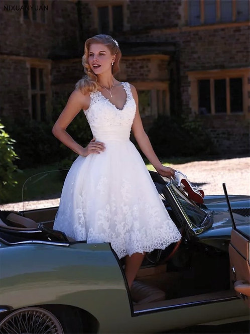 Elegant A-Line Short court Wedding Dress