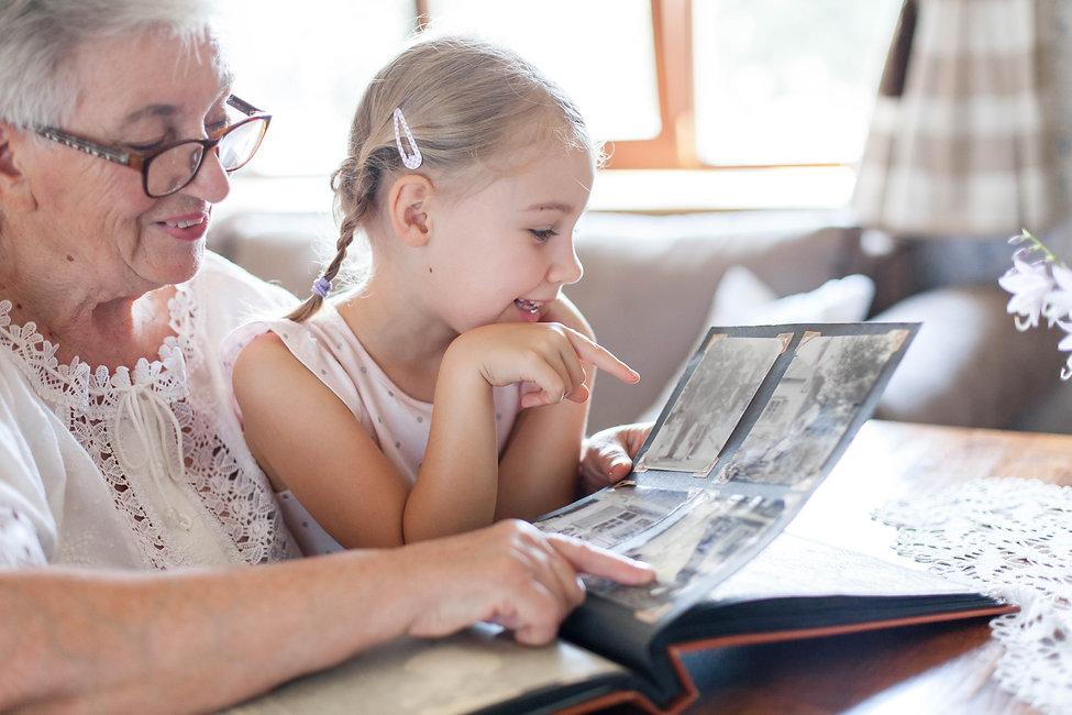 partage-souvenirs-avec-ses-petits-enfant