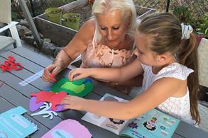 Partager des découvertes avec vos petits-enfants grâce aux kits Pandacraft