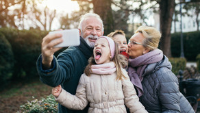 Pourquoi les grands-parents sont-ils autant attachés à leurs petits-enfants?