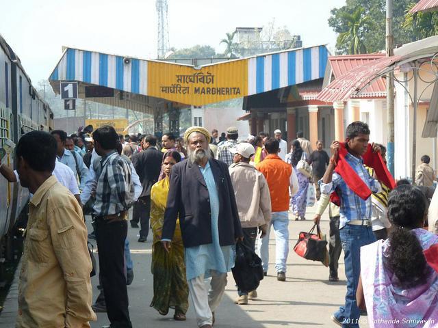 margherita-assam-railways-station-crowd