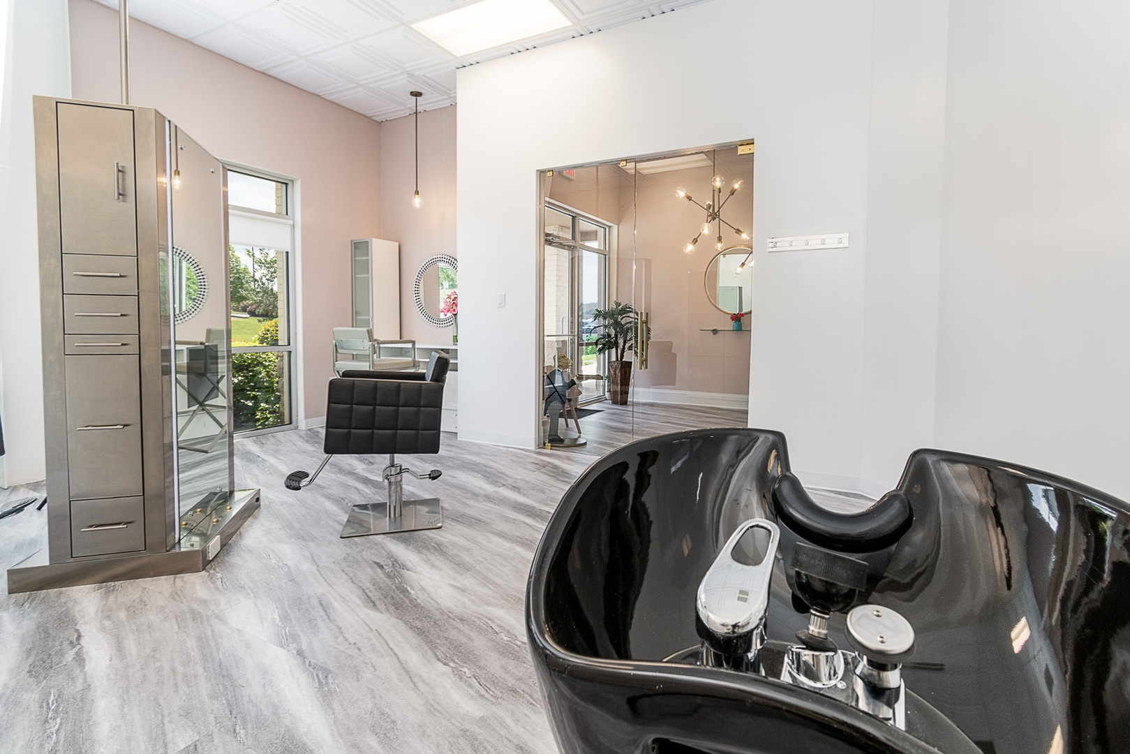 LYST Salon Suite Lease