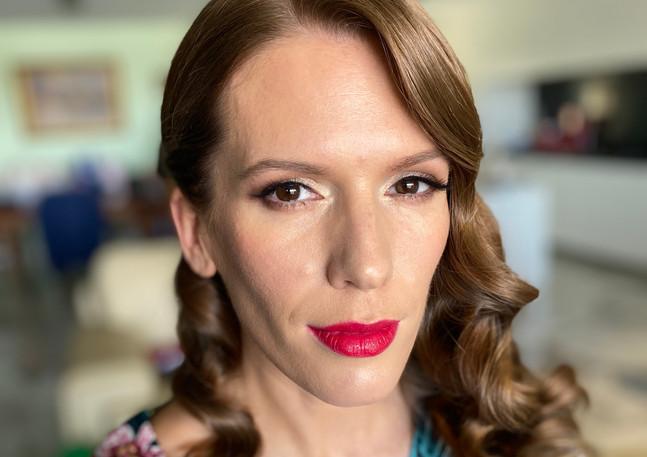 red lip2.jpg