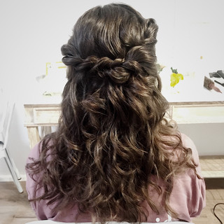 Bridesmaid's hair.JPG