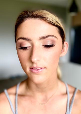 eye enhancing makeup .jpg