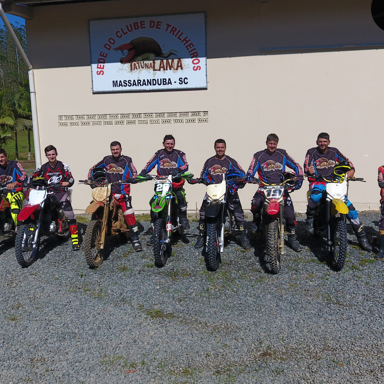 Equipe Tatu na Lama