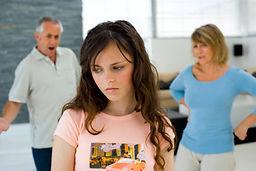 pszichológia, pszichológus, Ritter Andrea, Változás rendelő budapest család szülők gyerekek família krízis probléma családi segítségnyújtás mediáció peren kívüli megegyezés pszichés gondozás pszichoterápia életvezetési tanácsadás konzultáció párkapcsolat