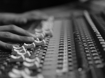 5 Reasons to Record at a Professional Recording Studio.