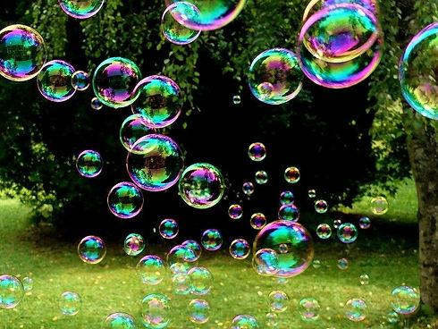 soap-bubbles-3517247_1280_edited.jpg