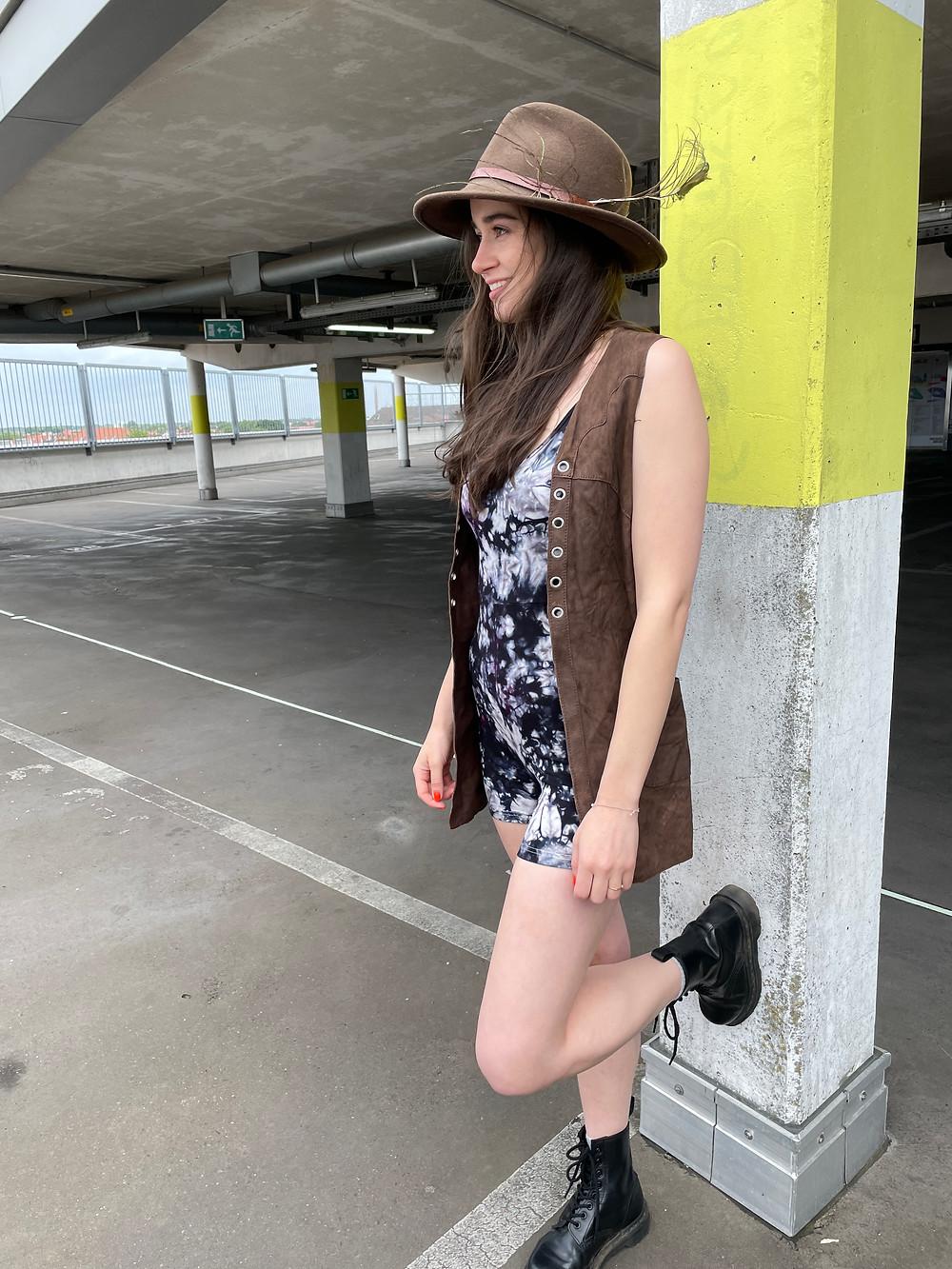 Outfit Kombination für den schwarz rosa Batik Einteiler deliciouslyROSE von Tinalicious