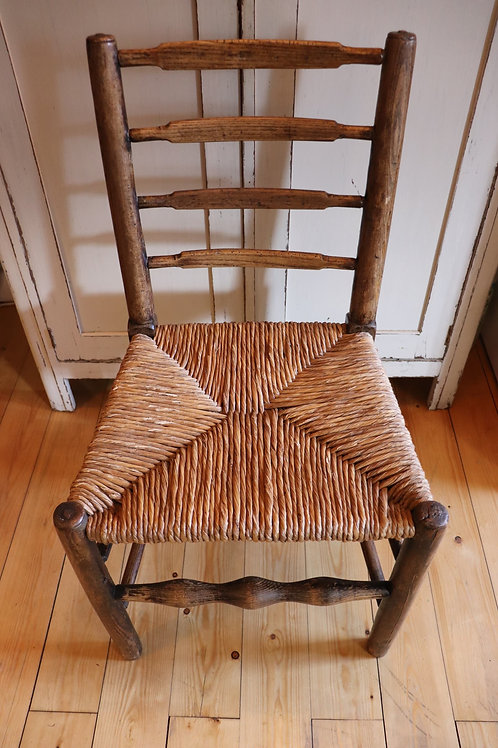 Set of 6 ash chairs with rush seat ladder back country chairs