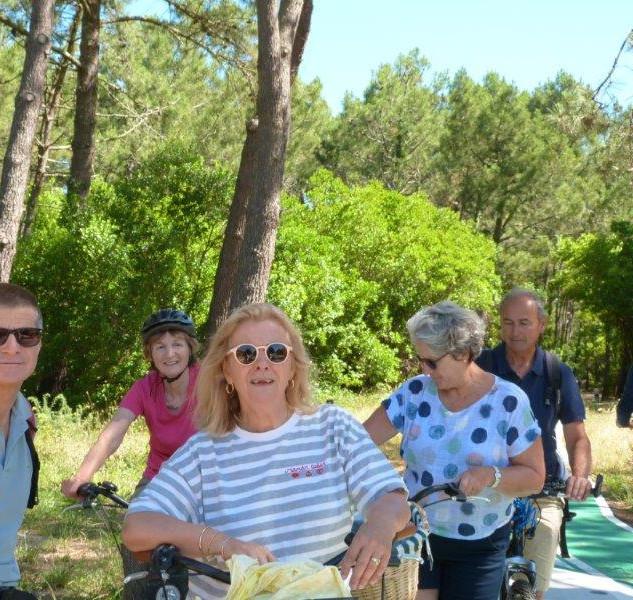 Balade en vélos entre amis, presqu'île du Cap Ferret