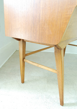 ALFRED COX DRESSING TABLE
