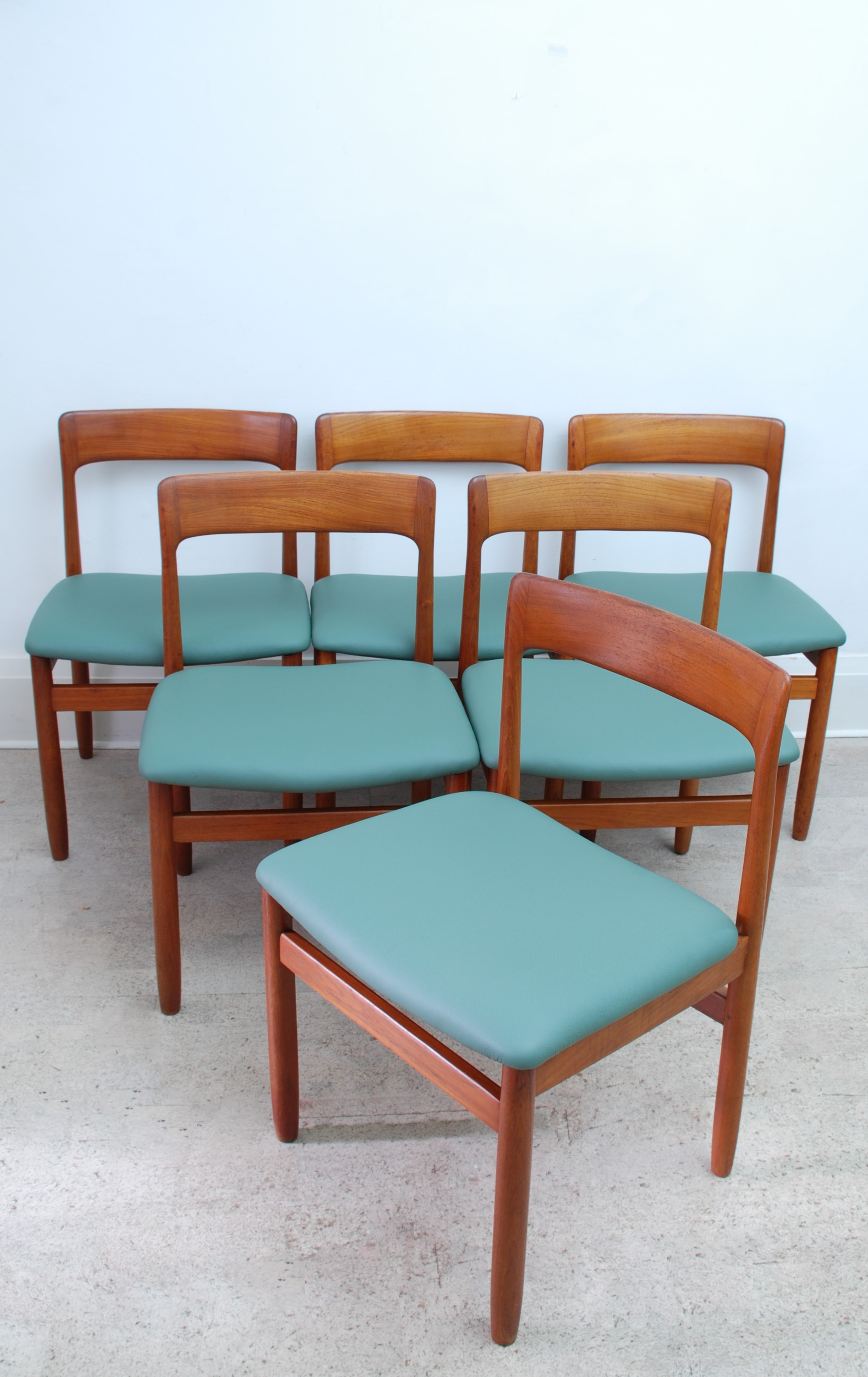 YOUNGER DINING CHAIRS