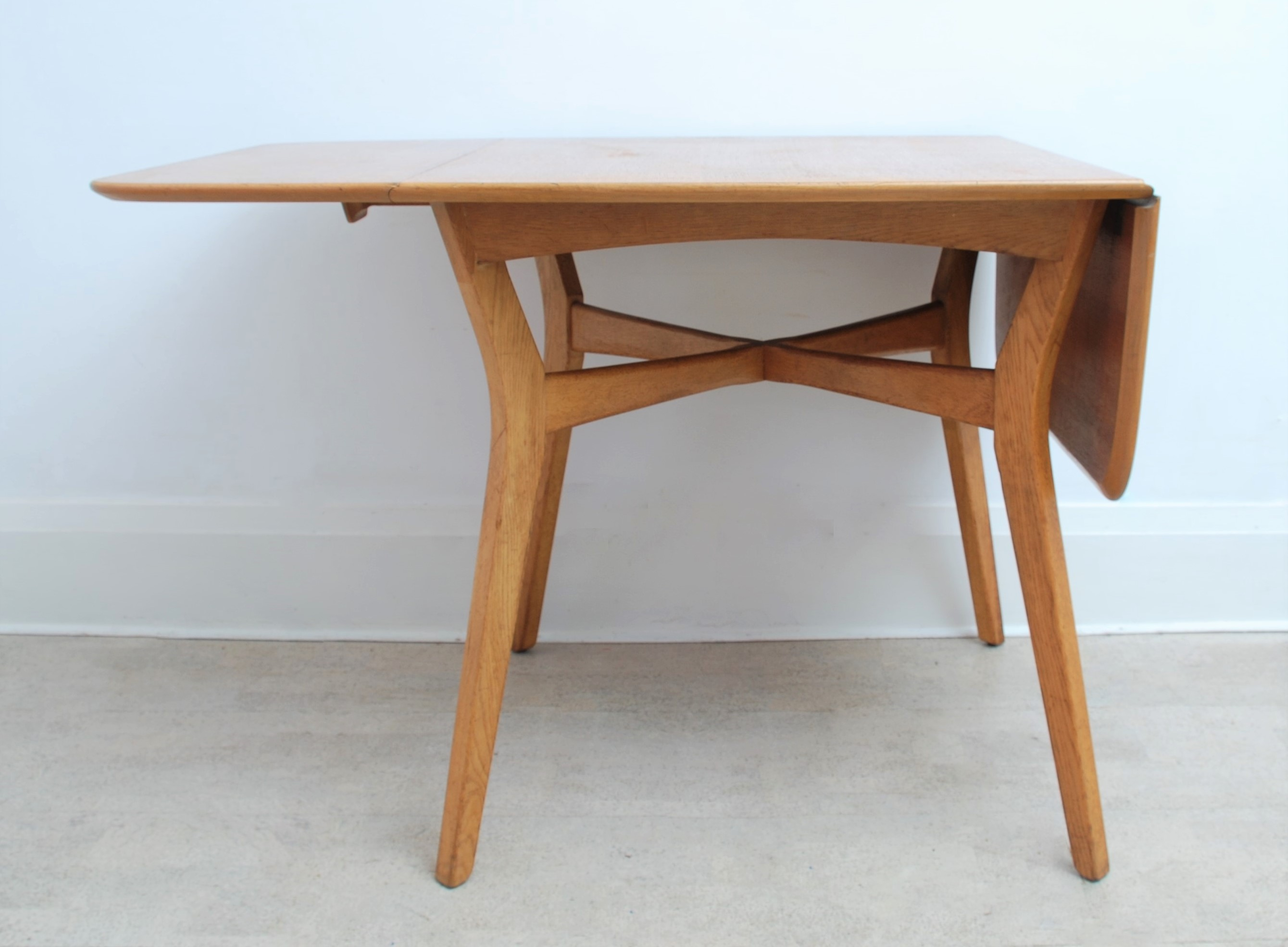 G Plan Drop Leaf Dining Table (4)