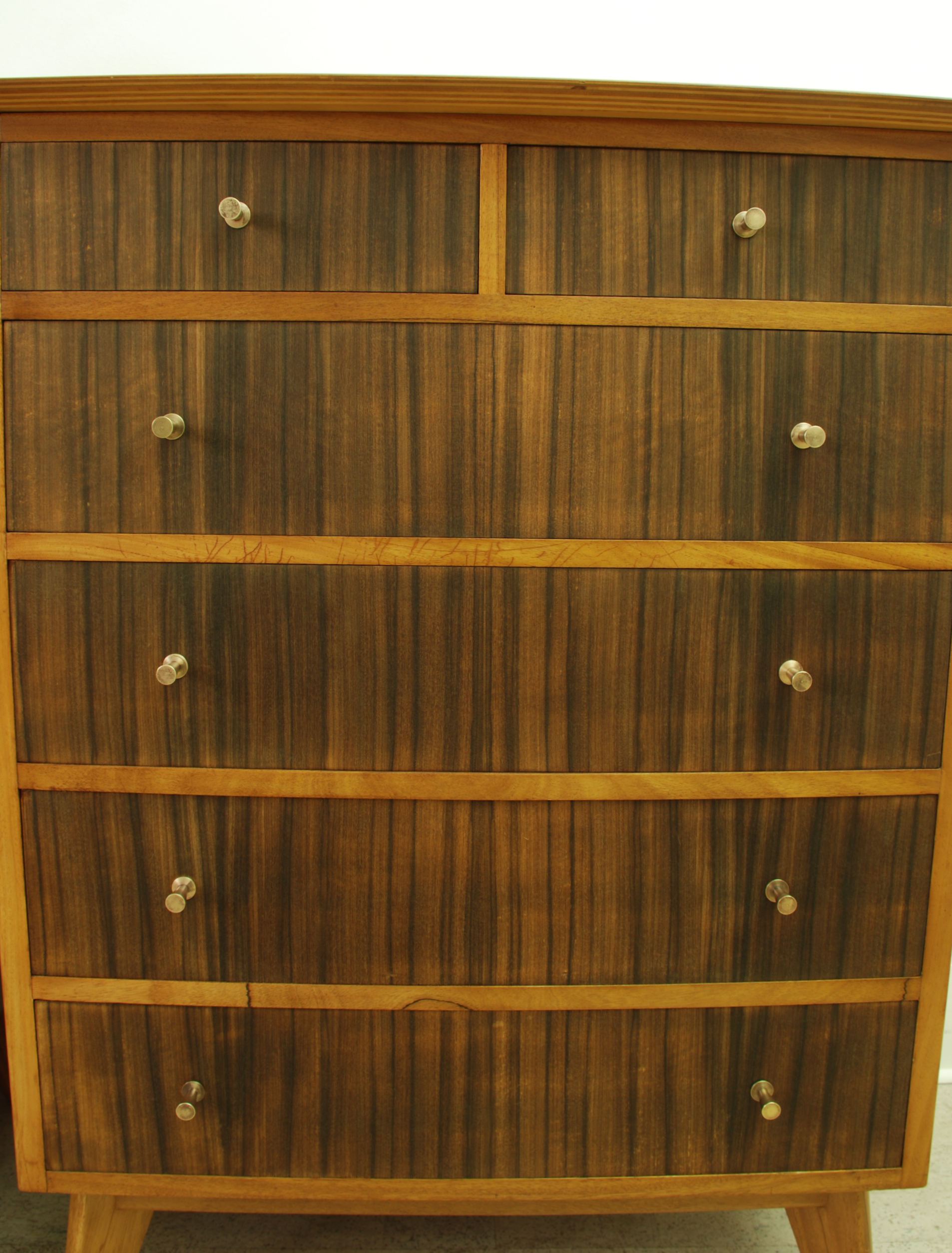 MORRIS OF GLASGOW CUMBRAE CHEST OF DRAWERS