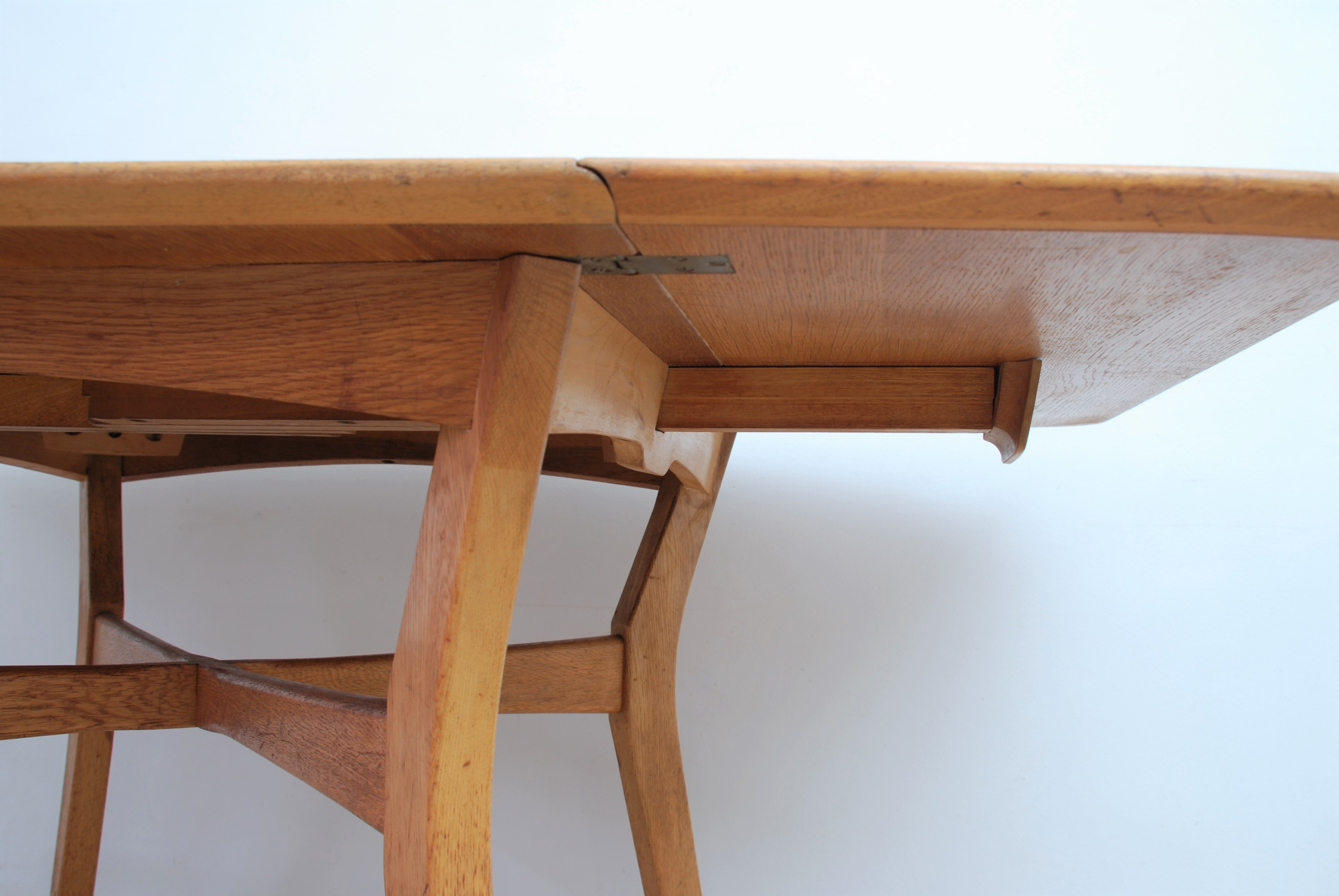 G Plan Drop Leaf Dining Table (1)