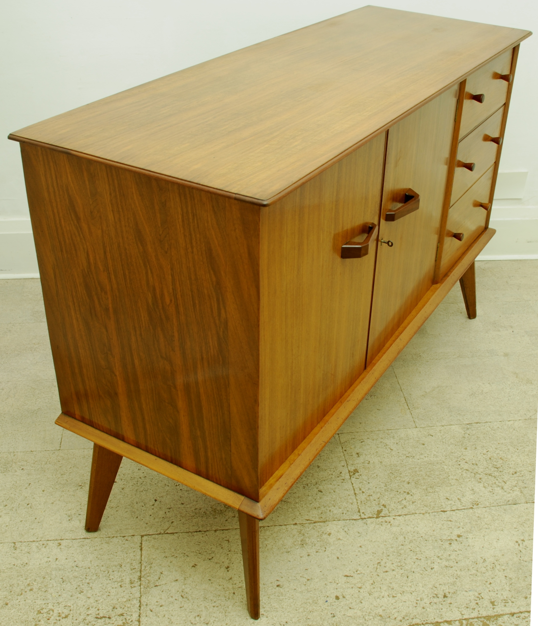 sideboard 3 drawers 2 doors (8)