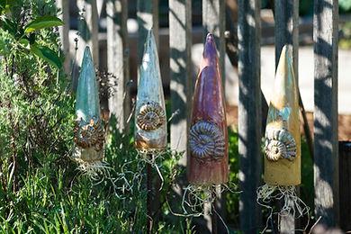 Gartenspitzen mit Ammoniten.jpg