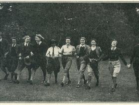 Derbyshire Land Army Women: Doing their bit during WW II