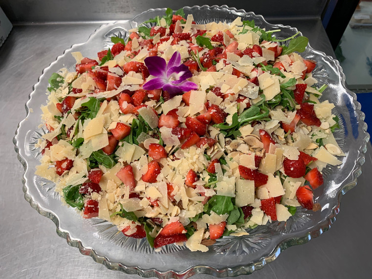 strawberry arugula salad.jpg