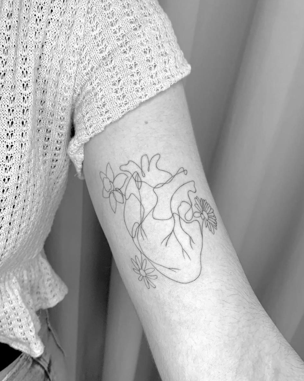 Tatuaje Corazón Línea