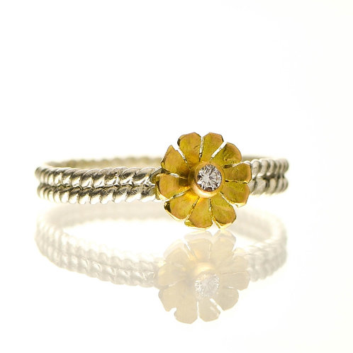 Flower Ring With Diamond