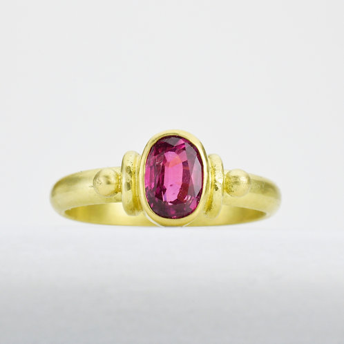 Ruby Ring in 18K Gold