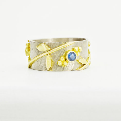 Vine Ring In 18k Gold With Sapphires