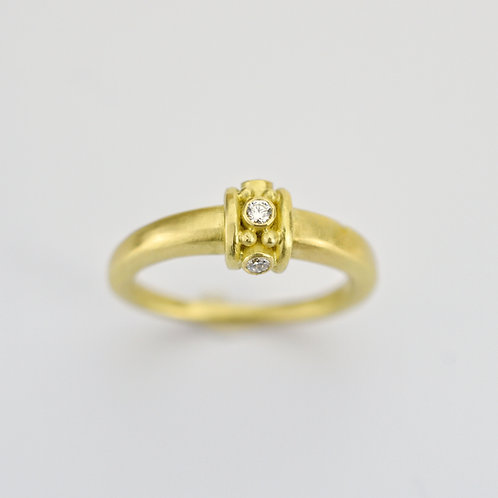 Tapered Roman Ring With Diamonds