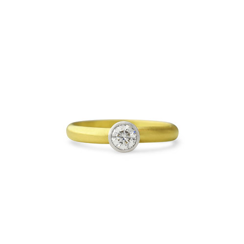 18K Gold and Platinum Solitaire Ring With Diamond
