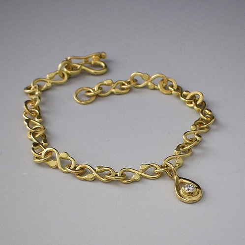 18k Gold Handmade Chain Bracelet With Diamond