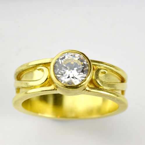 18k Gold Setting (does not include center diamond)