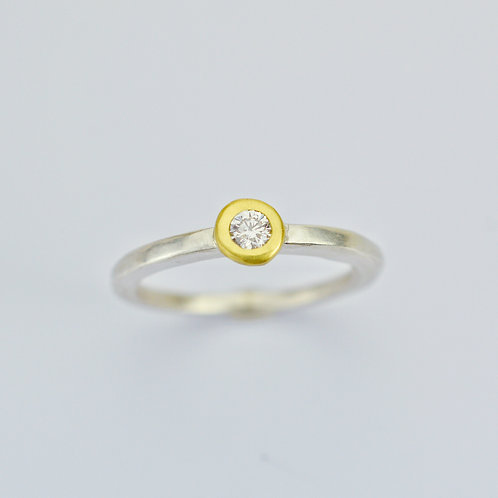 18K Gold and Silver Solitaire Ring