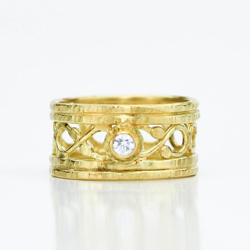 18k Gold Scroll Ring With Diamond